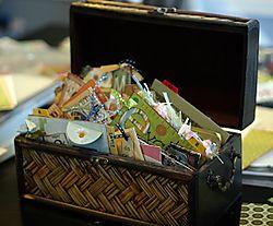 2004 bday card box