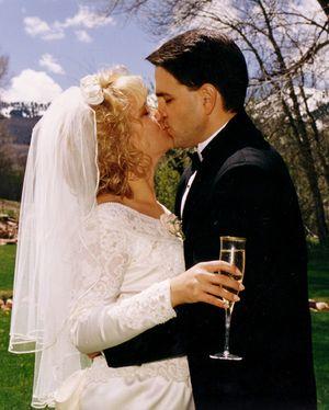 Wedding kiss sm